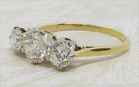 Antique Guest and Philips - 1.72ct (3) Diamond Set, Yellow Gold - Platinum - Three Stone Ring