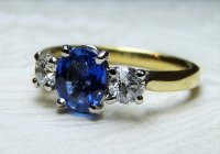 Antique Guest and Philips - Sapphire Set, Yellow Gold - White Gold - Three Stone Ring