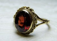 Antique Guest and Philips - Yellow Gold and Garnet Set Single Stone Ring