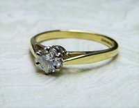 Antique Guest and Philips - Diamond Claw Set, Yellow Gold - Single stone Ring