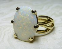 Antique Guest and Philips - Yellow Gold and Opal Six claw Single stone Ring