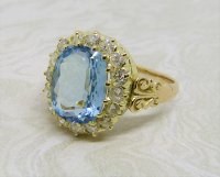 Antique Guest and Philips - Aquamarine Set, Yellow Gold - Cluster Ring