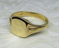 Antique Guest and Philips - Yellow Gold Signet Ring