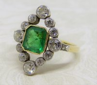 Antique Guest and Philips - 1.50ct Emerald Set, Yellow Gold - Platinum - Cluster Ring