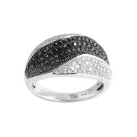 18ct. White Gold Ring Set With Black And White Diamonds.