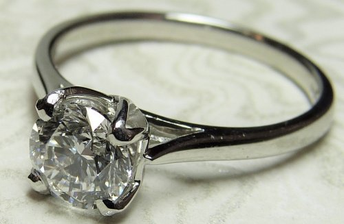 Antique Guest and Philips -  Platinum and Diamond - Solitaire Ring